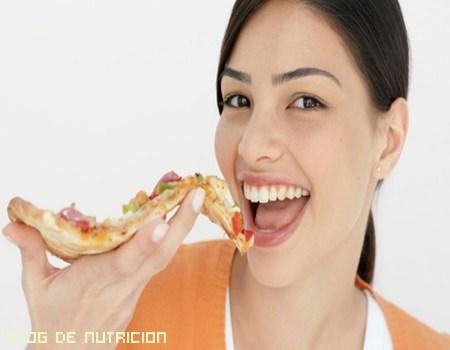 No renuncies a la pizza, pero sí a las calorías